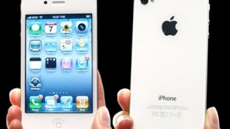 Apple acquista iPhone 4S in attesa di iPhone 5