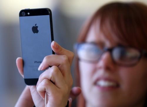 iPhone 5 prezzi anche da Tim e Tre