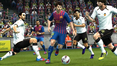 PES 2013 contro FIFA 13 inizia la sfida