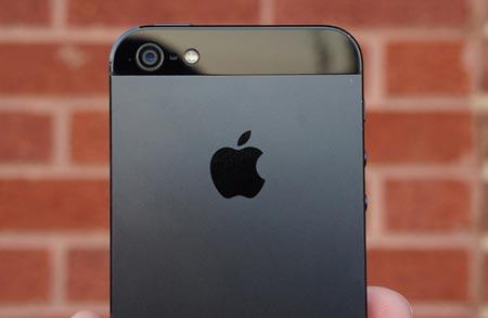 iPhone 5 Apple chiarisce la situazione del riflesso viola intanto ancora agitazioni da FoxConn
